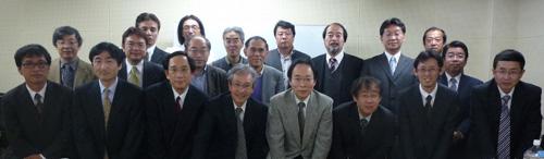 2012年度運営委員会にて 2012年度運営委員 このページのトップへ ホーム 支部長挨拶 支部